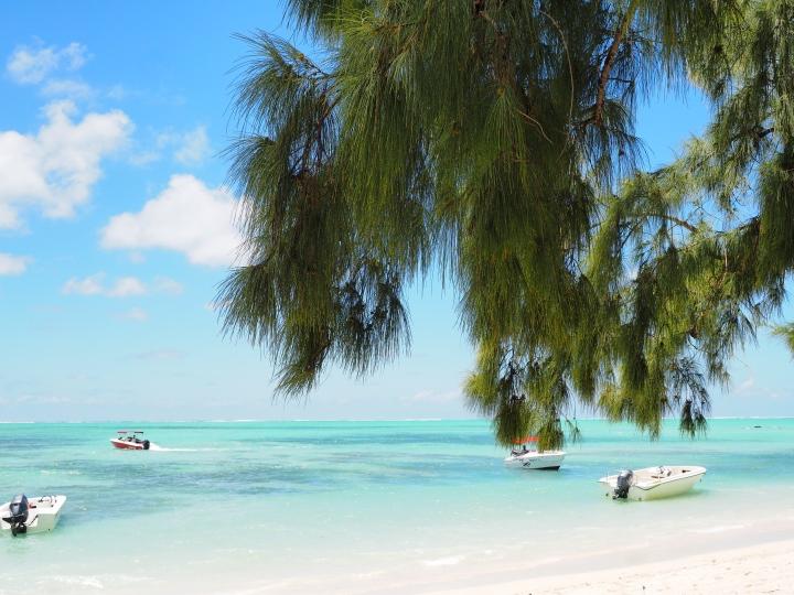 A Tropical Getaway – HelloMauritius!